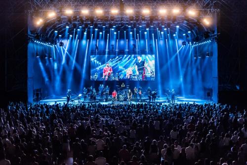 2CELLOS THE SCORE SUMMER OUTDOOR TOUR 2017